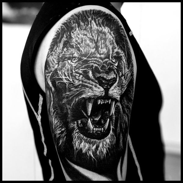 Aleks-Lîle-aux-tatouages-France-international-lille-tattoo-convention-2020-artistes-tatoueurs-3